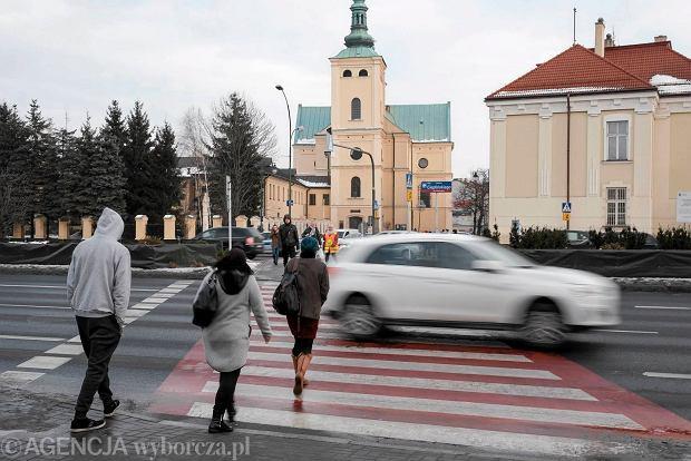 Rzeszów , al Cieplińskiego . Przejście dla pieszych na wysokości ul Sokola.
