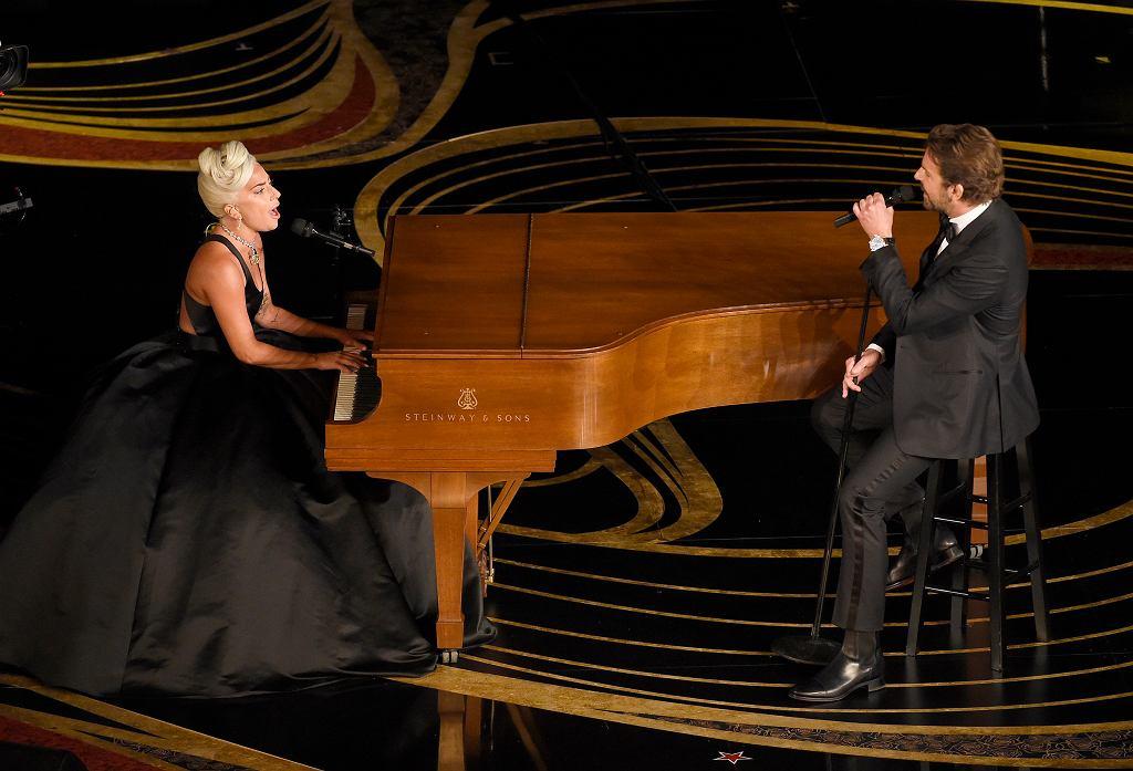 Lady gaga i Bradley Cooper zaśpiewali 'Shallow'