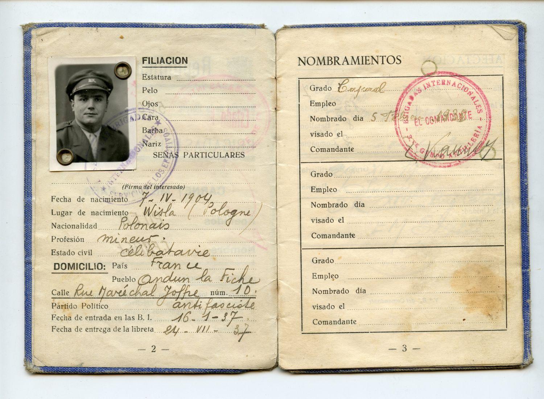 Dokumenty Jerzego Pilcha (fot. Archiwum Państwowe w Katowicach)
