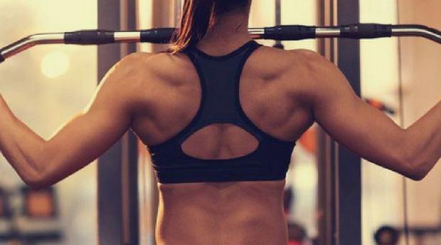 Jak zmniejszyć ból kręgosłupa? Trening pleców