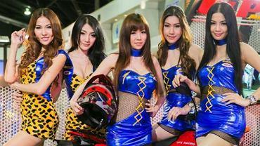 Hostessy z Salonu Samochodowego w Tajlandii
