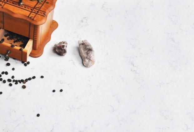 Kamienny blat kuchenny, Techni Stone