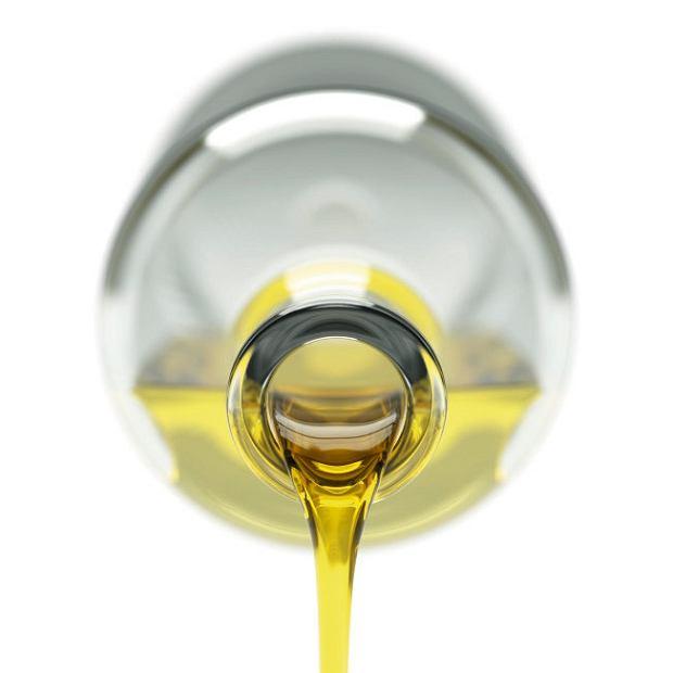 Oliwa to sok wyciskany z owoców, więc właściwie nie powinien stać w dziale z olejami