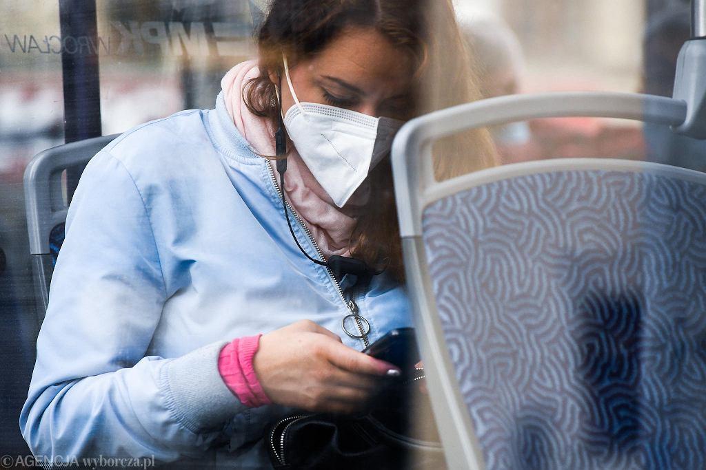 W czasie epidemii koronawirusa wrocławianie rzadziej korzystają z komunikacji miejskiej