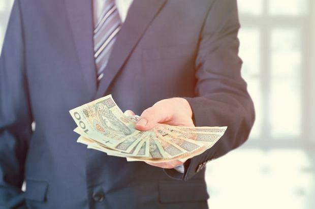 Transakcje korzystne dla obu stron? Polemika z Witoldem Gadomskim