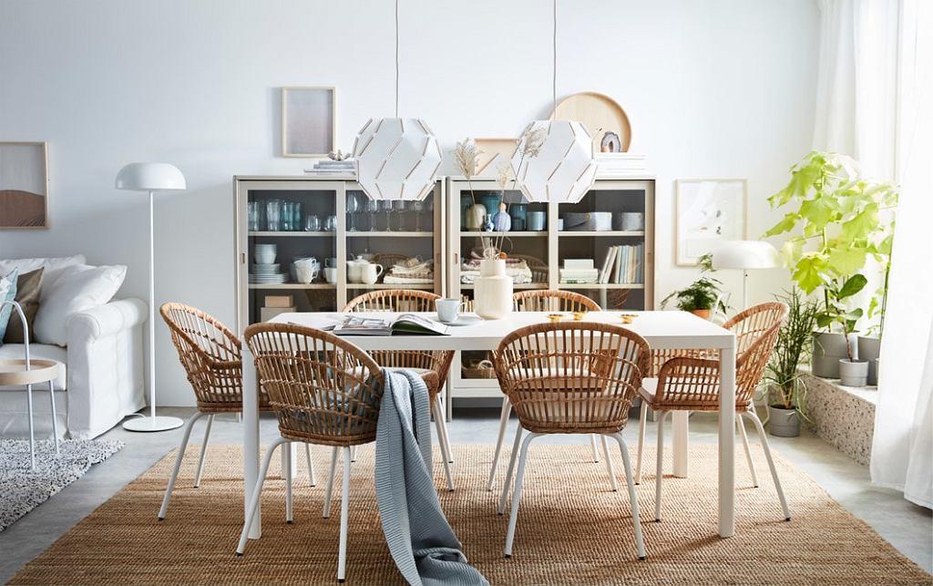 Wiklinowe krzesła do jadalni