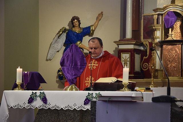 Ks. Sławomir Marek, proboszcz parafii w Stanowicach