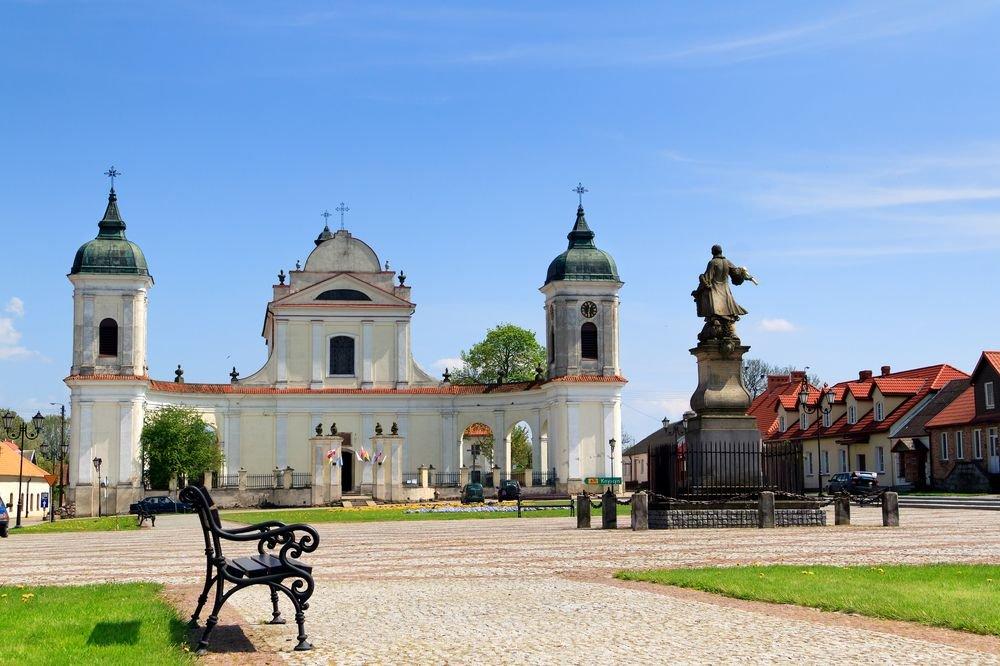Rynek i kościół św. Trójcy