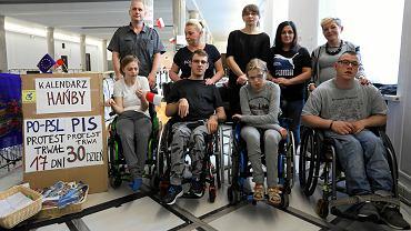 30. dzień protestu osób niepełnosprawnych i ich rodziców w Sejmie