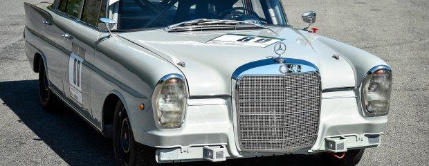 Mercedes 220 SE (W111)