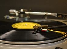 Jaki gramofon do 700 zł wybrać? Zobacz nasze propozycje