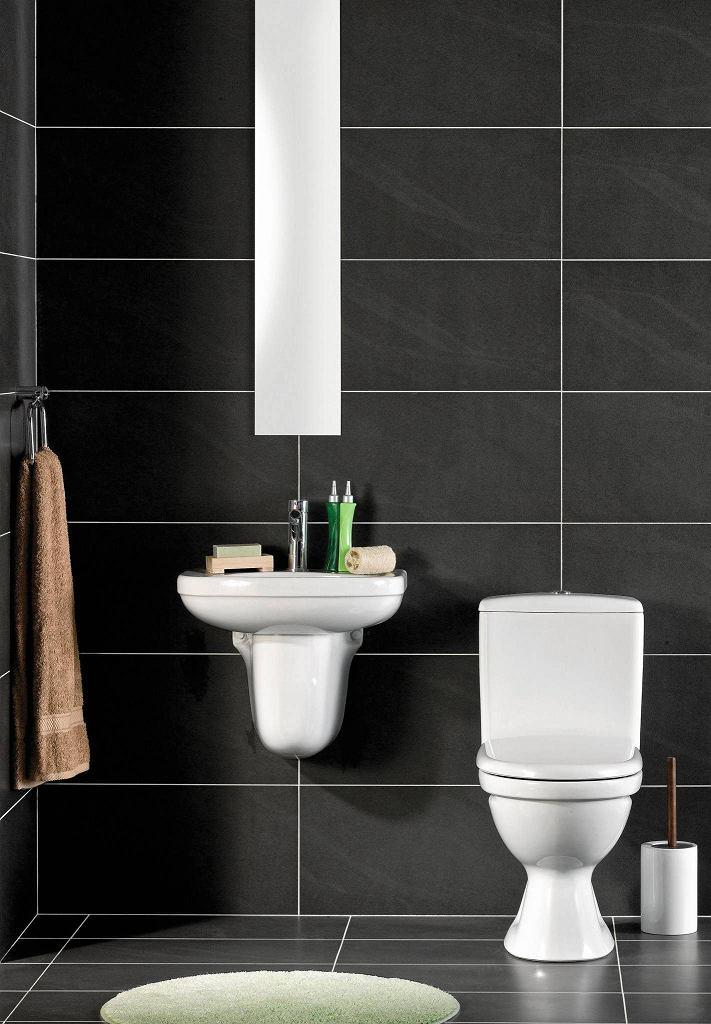 Zanim kupimy urządzenia do małej łazienki, dokładnie sprawdźmy ich wymiary. Czasami nawet centymetr za dużo może nam pokrzyżować plany. Brego, sedes kompaktowy, szer. 37 cm, gł. 63 cm, 309 zł, Praktiker