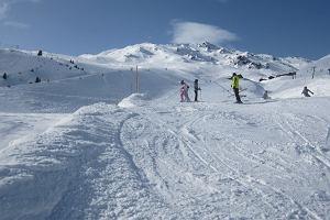 Ile kosztuje podróż na narty? Jak nie przepłacić przed wyjazdem, w drodze i na miejscu