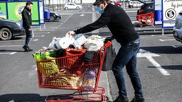 Zakupy i inflacja. Zdjęcie ilustracyjne.