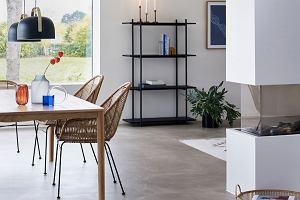 Krzesła rattanowe do mieszkania - najpiękniejsze modele do kuchni i salonu