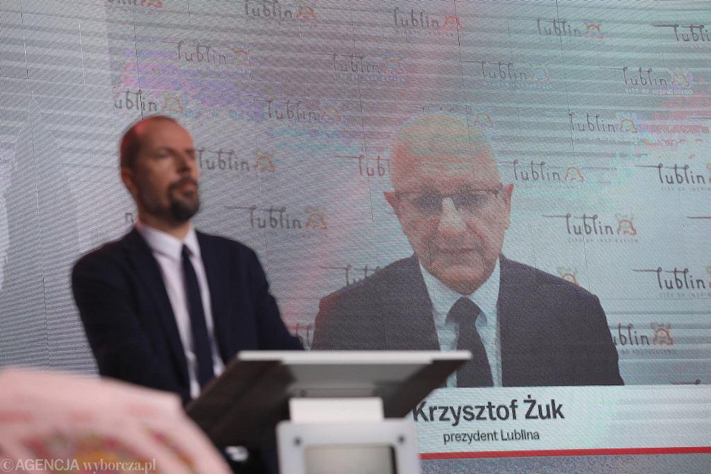 Krzysztof Żuk, prezydent Lublina podczas prowadzonej przez Michała Olszewskiego, naczelnego krakowskiej 'Wyborczej' debaty samorządowców na Gali Supermiasta