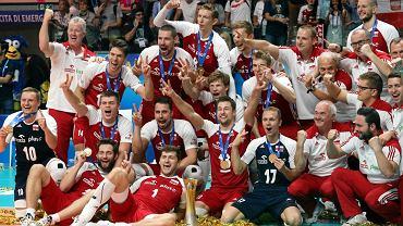 Dekoracja po meczu finałowym Mistrzostw Świata w siatkówce.