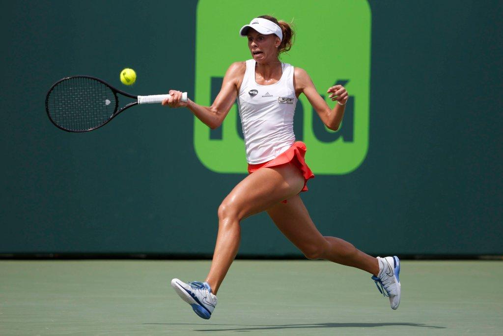 Magda Linette w meczu z Wiktorią Azarenką w Miami