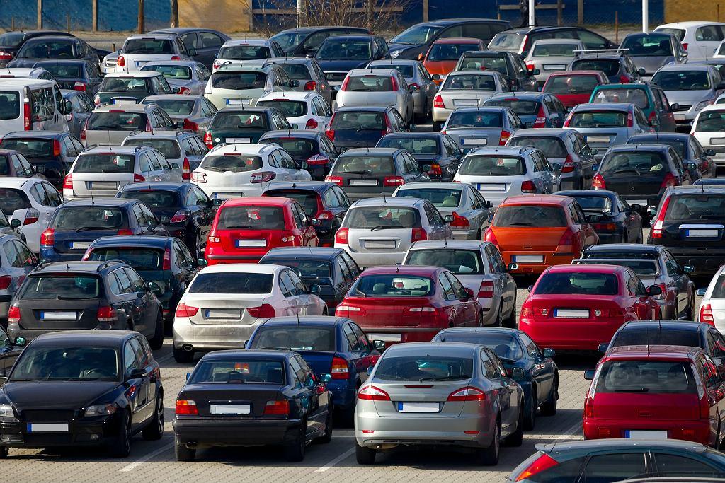 Polska zajmuje dopiero trzecie miejsce na liście państw, z których Ukraińcy sprowadzają używane samochody. Liderami na tej liście są Niemcy i Litwa.
