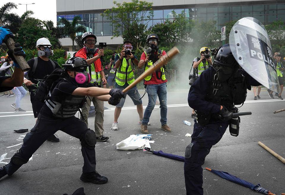 'Za mało, za późno' - Hongkong odrzuca gałązkę oliwną Carrie Lam i kontynuuje protesty