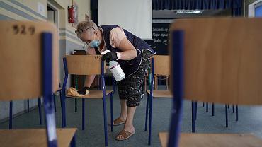 Pandemia koronawirusa. W szkołach obowiązują zasady bezpieczeństwa sanitarnego