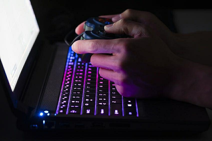 Około 5 procent grających w gry komputerowe wpada w nałóg. To tyle samo, co przy każdej innej używce