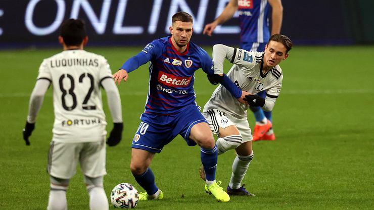 Niespodzianka! Legia traci punkty na własnym boisku i pozycję lidera