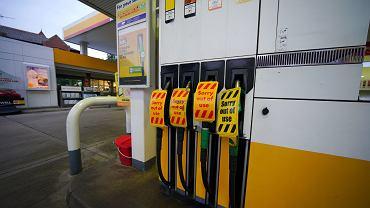 Wielka Brytania. Kilka stacji paliw trzeba było czasowo zamknąć - brakuje kierowców do rozwożenia dostaw.
