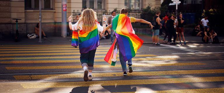 Szwajcaria. Głosujący w referendum za małżeństwami jednopłciowymi