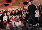 Nauczyciel muzyki nagrał z uczniami wzruszający klip świąteczny. Ludzie zachwyceni: Świetna robota