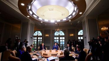Donald Tusk i Donald Trump na szczycie G7 w Kanadzie