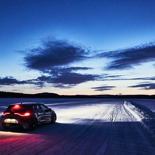 Renault Megane, zima, samochód zimą