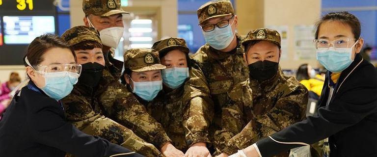 Chiny. W telewizji propagandowa walka z koronawirusem