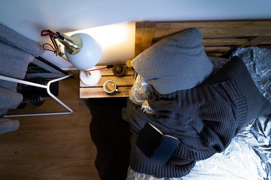 Dywan włochacz w sypialni