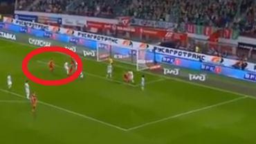Grzegorz Krychowiak strzela gola dla Lokomotiwu