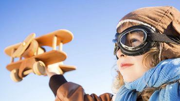 Gdy dziecko nudzi się w podróży - czym je zająć?