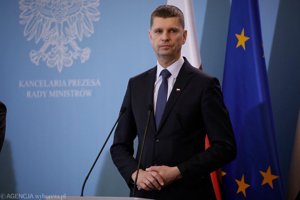 Minister Dariusz Piontkowski