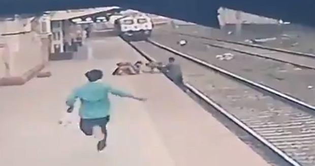 Bohaterska akcja przypadkowego mężczyzny. W ostatniej chwili uratował dziecko, które upadło przed rozpędzonym pociągiem