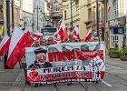 """Marsz dla ks. Kneblewskiego, zwanego kapelanem narodowców. """"Tyrawa, zwróć nam prałata!"""""""