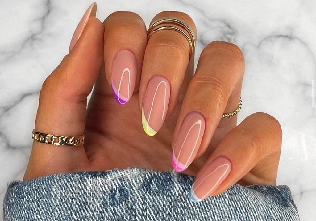 Abstract French Manicure