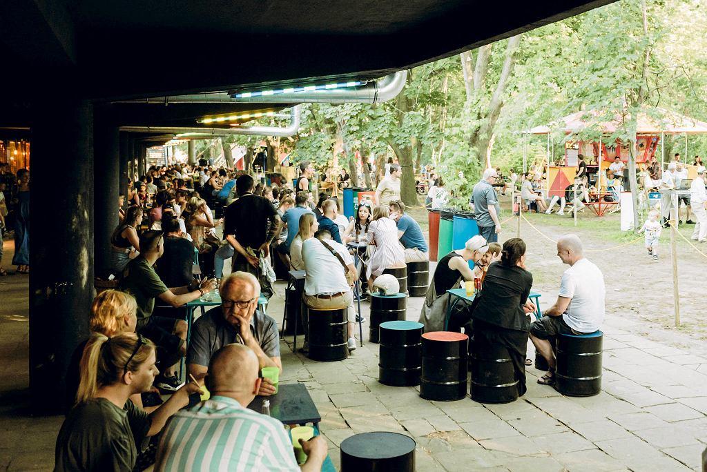 W Mini Markecie, w Lunaparku nad Wisłą można zjeść pizzę, burgery, wegańskie langosze, churrosy, burrito, a także palone lody z Toskanii. / MATERIAŁY PRASOWE
