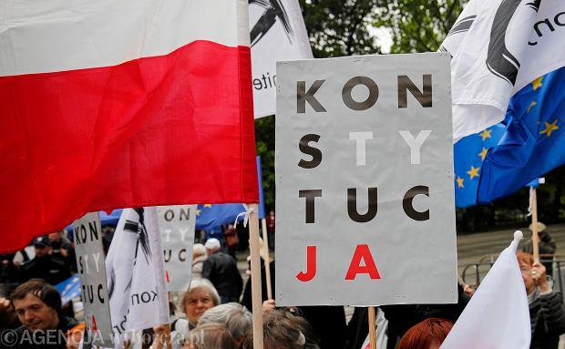 PiS poprze PO przy zmianie konstytucji. Ale stawia warunek - wpiszemy tam PPK