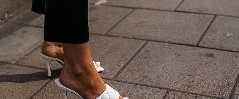 Te klapki damskie CCC to buty idealne na lato! Modne, wygodne, a ich niska cena pozytywnie Cię zaskoczy!