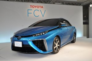 Toyota FCV | Ogniwa paliwowe trafiają do produkcji