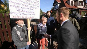 Mieszkańcy od ośmiu lat walczą o drogę dojazdową do swoich domów