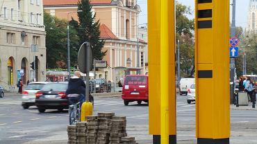 Sierpień 2014 r. Nowe fotoradary na skrzyżowaniu al. Jana Pawła II i al. Solidarności w Warszawie