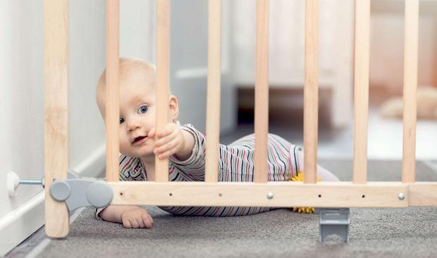 Bramka na schody - zapewnij bezpieczeństwo swojemu maluchowi