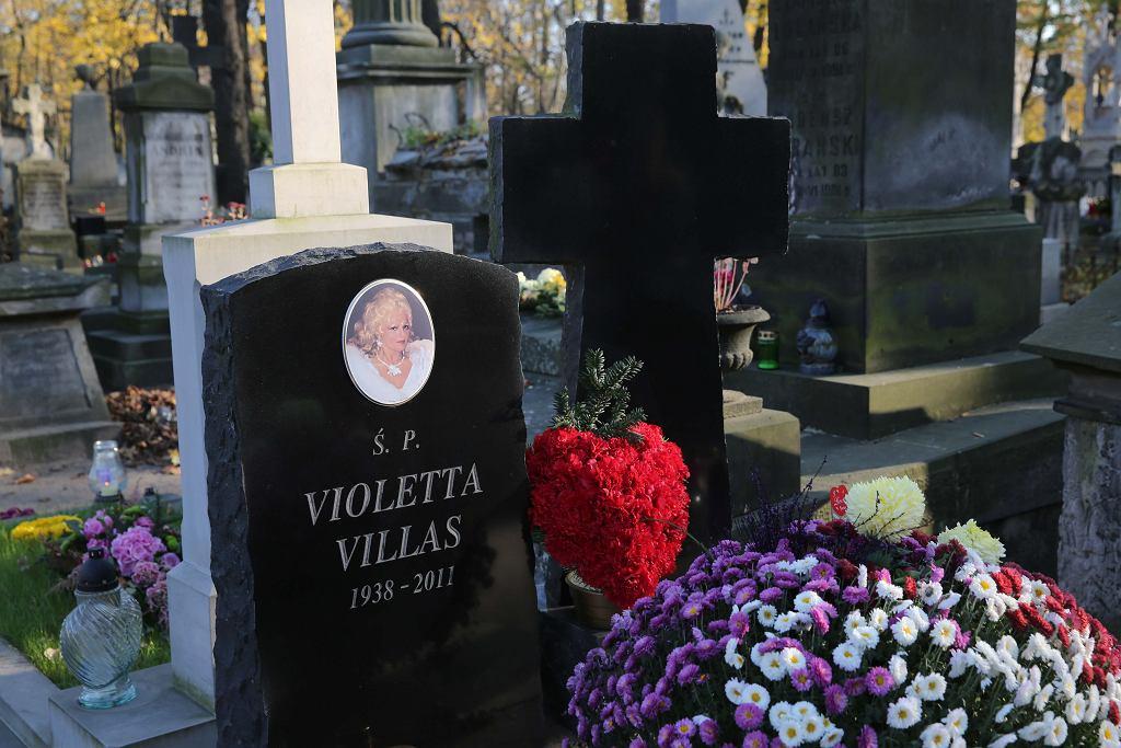 Powązki. Grób Violetty Villas