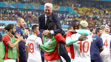Radość Szwajcarów po wygranym meczu z Francją