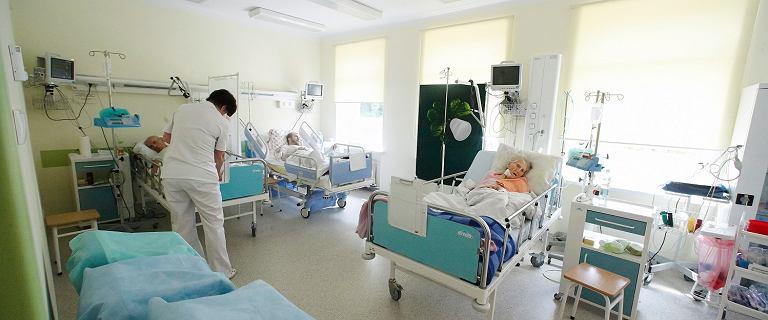 Bakteria New Delhi w Piotrkowie Trybunalskim. Zamknięto część szpitala